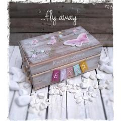 ΚΟΥΤΙ ΕΥΧΩΝ ΜΕ ΠΕΤΑΛΟΥΔΕΣ ΚΩΔ: FLY-AWAY-BM