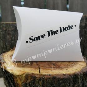 """ΜΠΟΜΠΟΝΙΕΡΑ ΓΑΜΟΥ ΚΟΥΤΙ ΜΕ ΤΥΠΩΜΕΝΟ ΑΥΤΟΚΟΛΛΗΤΟ """" SAVE THE DATE"""" - ΚΩΔ:MPO-50596"""